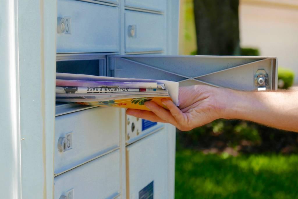 boite à lettres courrier publicitaire
